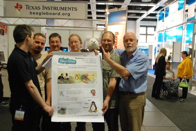 Das Projekt-Team verkündet die Zusammenarbeit